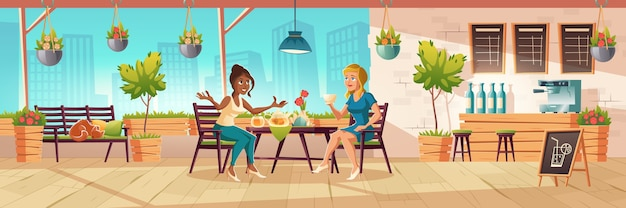 Meisjes zitten op caféterras of balkon met houten bar en planten. cartoon interieur van coffeeshop patio met tafels, stoelen en bank met slapende kat. vrouwen drinken thee en praten
