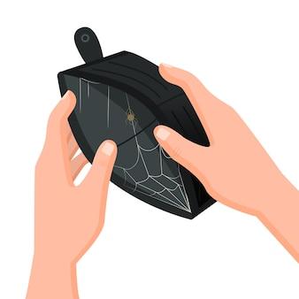Menselijke handen die lege portefeuille met webbinnenkant houden die op witte achtergrond wordt geïsoleerd