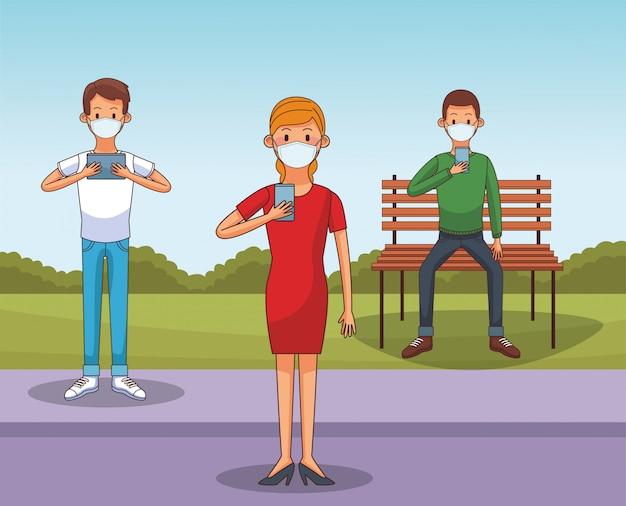 Mensen die een medisch masker en smartphones dragen om verbonden te blijven