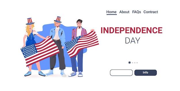 Mensen in feestelijke hoeden met usa vlag vieren, 4 juli amerikaanse onafhankelijkheidsdag viering bestemmingspagina