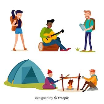 Mensen kamperen collectie plat ontwerp