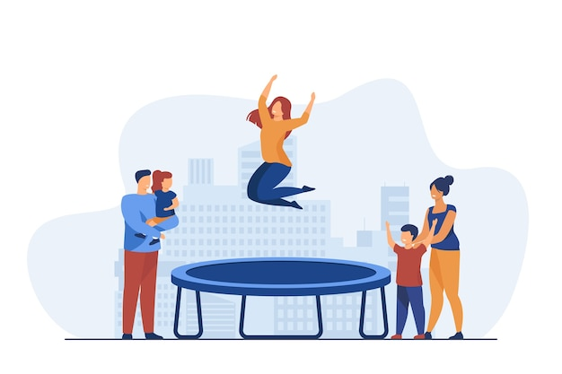 Mensen kijken naar vrouw springen op trampoline.