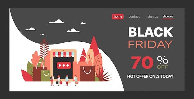 Mensen klanten met boodschappentassen aankopen online kopen met tablet-app e-shopping black friday concept speciale aanbieding korting