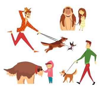 Mensen lopen en spelen met hun honden set, ute huisdieren met hun eigenaren cartoon illustraties op een witte achtergrond