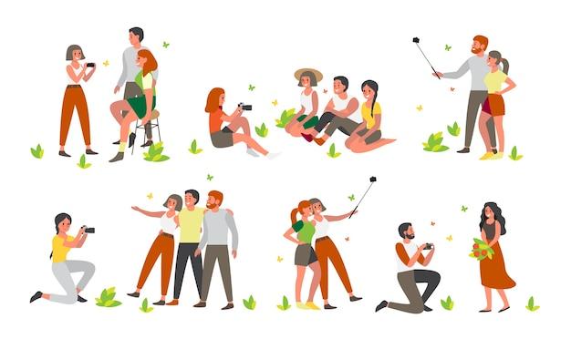 Mensen maken samen een foto of maken een selfie. zomertijd met vrienden. personages die in verschillende situaties een foto van zichzelf maken.