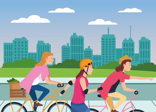 Mensen met fietsen en schaatsen