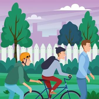 Mensen met fietsen skateboard en scooter