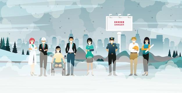 Mensen met verschillende beroepen worden geconfronteerd met het probleem van stof en vervuiling dat zich over de stad verspreidt.