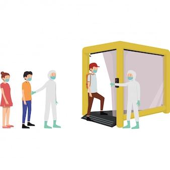 Mensen staan op een sociale afstand om hun lichaam te laten steriliseren op de decontaminatiekamer