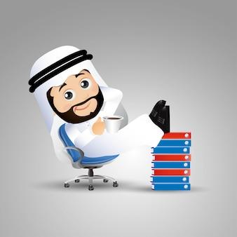 Mensen stellen arabische zakenman in leunstoel met benen omhoog op documenten