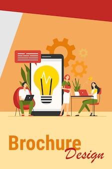 Mensen uit het bedrijfsleven bijeen in co-working space. business team ideeën delen en project bespreken. voor werkplek, communicatie, brainstormen, samenwerkingsconcepten