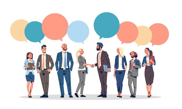 Mensen uit het bedrijfsleven groep chat zeepbel banner