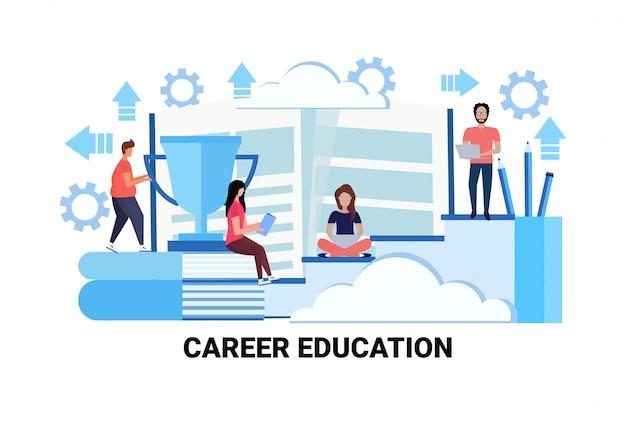 Mensen uit het bedrijfsleven trainingen carrière onderwijs concept succesvolle studie leiderschap