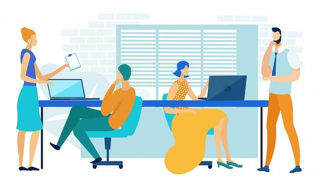 Mensen uit het bedrijfsleven werken in moderne gedeeld kantoor