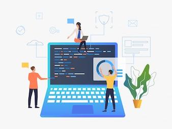 Mensen uit het bedrijfsleven werken over laptop ontwikkeling