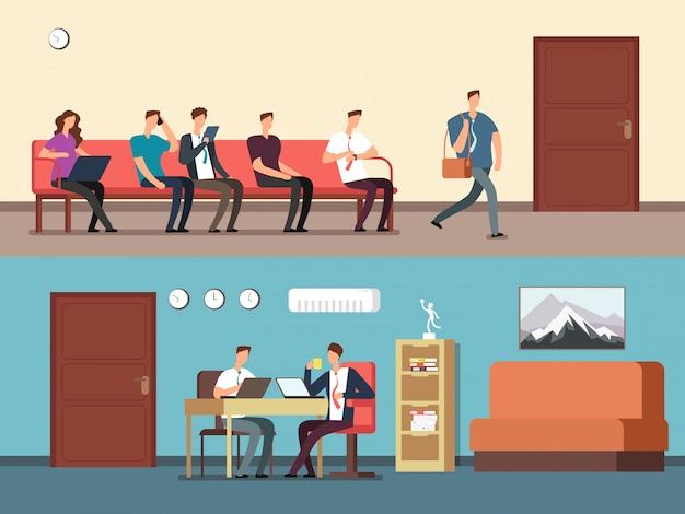 Mensen uit het bedrijfsleven, werknemers zittend op stoelen in de rij, wachten interview