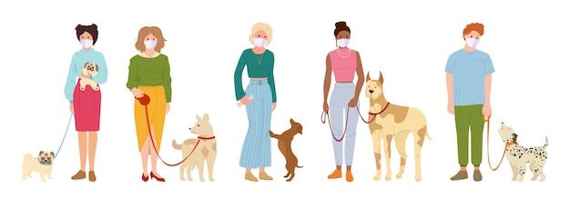 Mensen witte medische gezichtsmasker wandelende hond