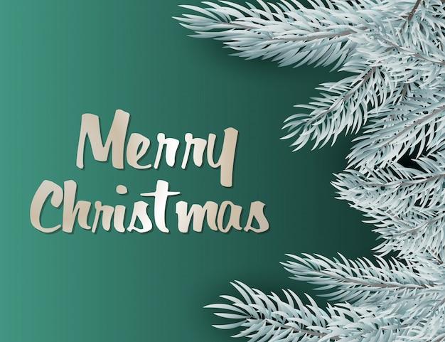 Merry christmas belettering met zilveren decoratie, dennentakken