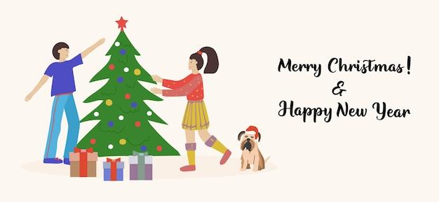 Merry christmas-wenskaart gelukkige stellen, jonge mannen en vrouwen die de kerstboom versieren