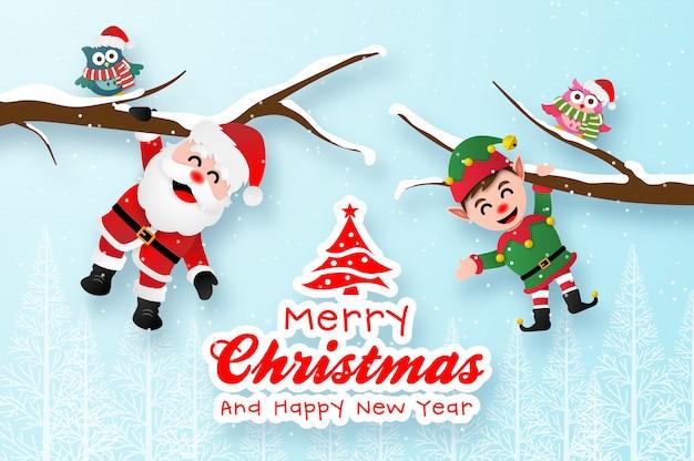 Merry christmas wenskaartsjabloon met santa claus en elf opknoping op de tak