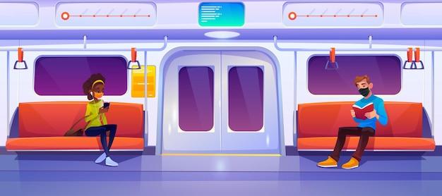 Metro trein auto met mensen in maskers