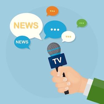 Microfoons in handen van verslaggevers op persconferentie of interview
