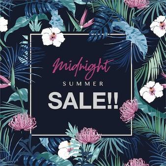 Midnight summer sale met tropische bladeren en bloemen