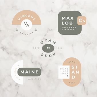 Minimaal logo ingesteld op marmeren achtergrond