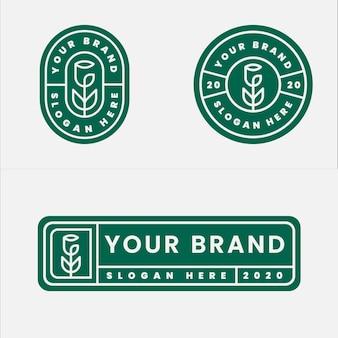 Minimalistisch logo-ontwerp met rozenbadge