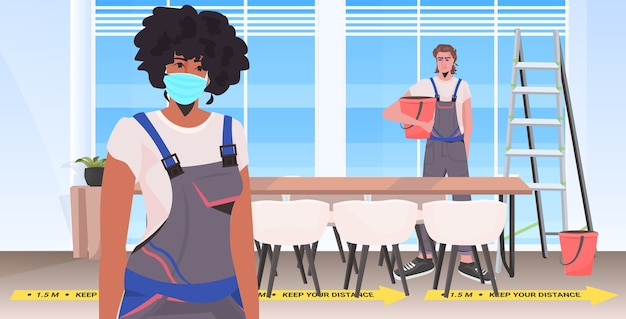 Mix race reinigers in uniforme reiniging en desinfectie