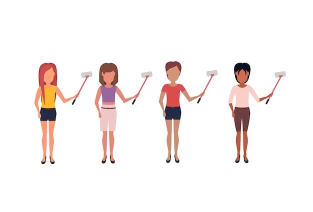Mix race vrouw doet selfie zelf stok staande pose anonieme vrouwelijke cartoon