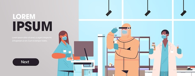 Mix race wetenschappers die vaccin ontwikkelen om te vechten tegen coronavirus onderzoekers team werken in medisch laboratorium vaccin ontwikkeling concept kopie ruimte horizontale banner
