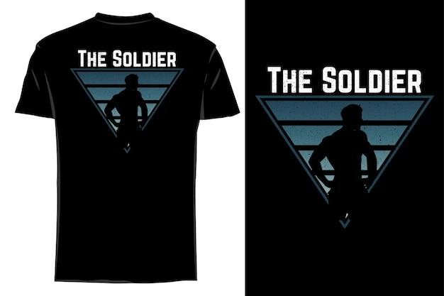 Mockup t-shirt silhouet de soldaat retro vintage