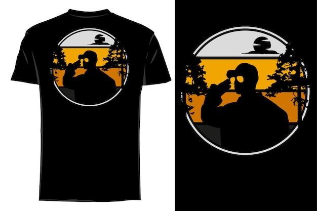 Mockup t-shirt silhouet respect soldaat retro vintage