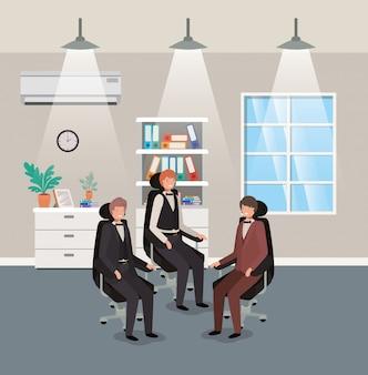 Modern kantoor met zakenman zitten
