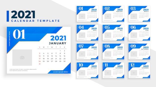 Moderne 2021 nieuwjaar blauwe kalender ontwerpsjabloon