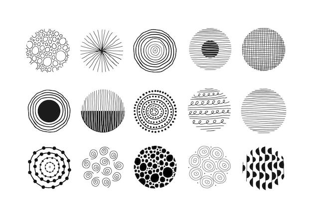 Moderne abstracte set van zwarte ronde vormen met lijnen cirkels druppels handgetekende illustratie