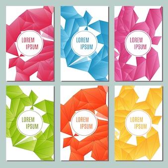 Moderne brochurekaarten met driehoekige s-illustratie.