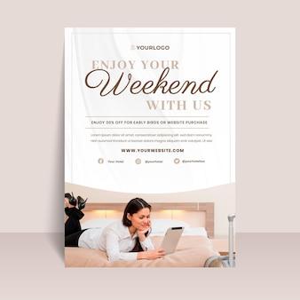 Moderne hotel informatie folder sjabloon met foto