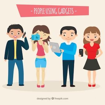 Moderne mensen met behulp van gadgets
