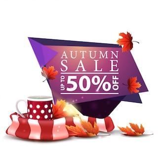 Moderne roze geometrische kortingsbanner voor de herfstverkoop met mok hete thee en warme sjaal
