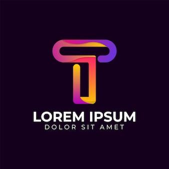 Moderne trendy kleurovergang geometrische letter t logo ontwerpsjabloon. bedrijfstechnologie en digitaal abstract verbindings vectorembleem.
