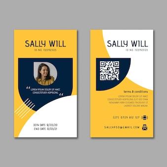 Moderne zakenvrouw id-kaartsjabloon