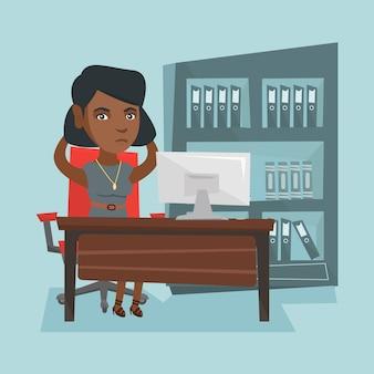 Moe afro-amerikaanse kantoormedewerker geklemd hoofd