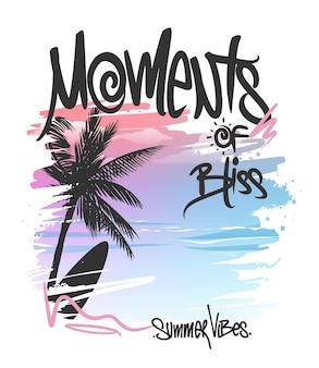 Momenten van gelukzaligheid met palmboom en surfplank op t-shirt printontwerp met verloop als achtergrond