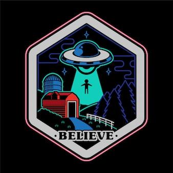 Monochrome afbeelding van vintage sticker patch pin print voor kleding t shirt poster met ufo van buitenaardse indringers vanuit de ruimte boven samenzwering verhaal op het platteland van de boerderij.