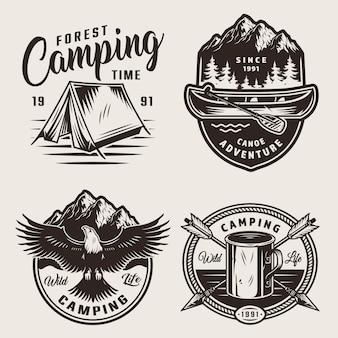 Monochrome kampeerlabels voor de zomer
