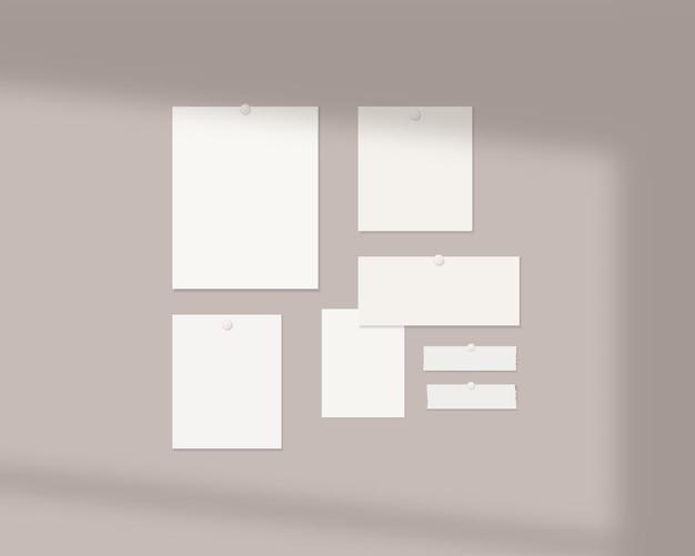 Mood board mockup sjabloon lege vellen wit papier aan de muur met schaduw overlay mockup vector geïsoleerd sjabloonontwerp realistische vectorillustratie