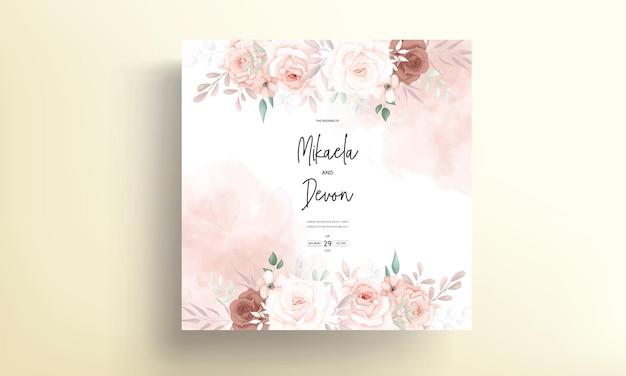 Mooi hand getrokken bruin bloemen de kaartontwerp van de huwelijksuitnodiging