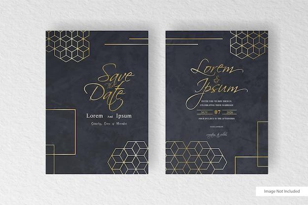 Mooie bruiloft uitnodiging kaartsjabloon met geometrische gouden vormen